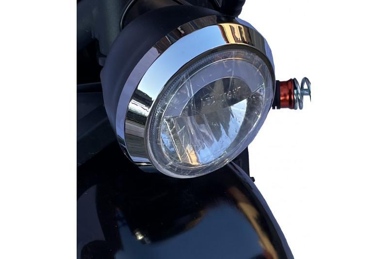 x-scooters-4m01-48v-li- (2)